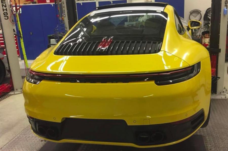 Это просочившийся образ следующего Porsche 911